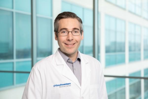 UT Southwestern Medical Center Mike Henne, Ph.D.